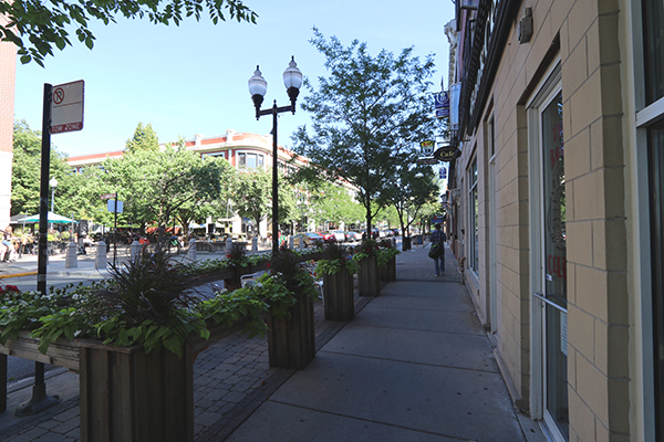 Lincoln Square Restaurants | ChicagoHome Brokerage Network at @properties